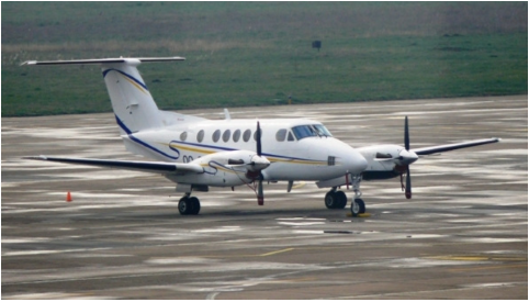 inchirieri-avioane-beechcraft-b-200-outside